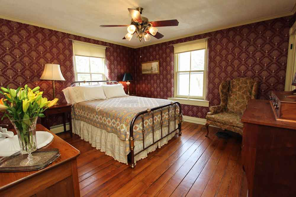 Classic Bed and Breakfast Lancaster County PA