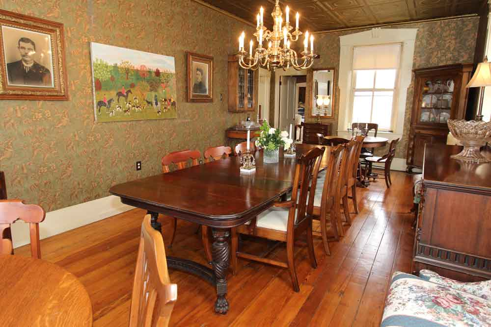 Farmhouse Breakfast Room